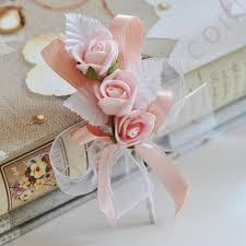 Ръчно изработени сватбени бутониери за повече настроение и изисканост