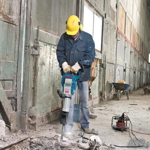Проследете базовите работни етапи при ремонтната услуга ,,кърти чисти и извозва'' у нас