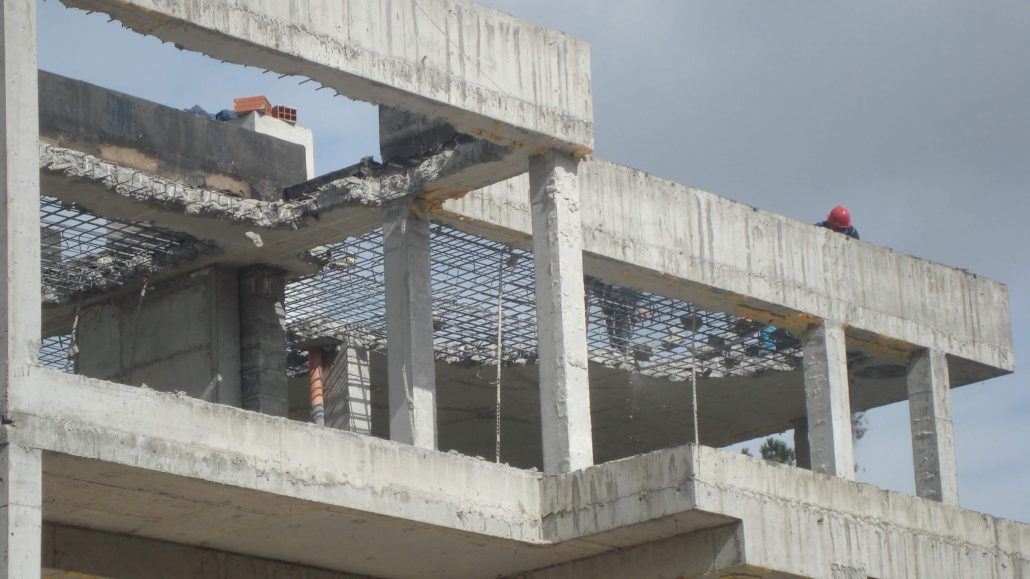 Разширете дома си, обновете го и изхвърлете строителните отпадъци с кърти, чисти и извозва фирма!